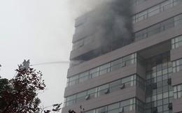 Cháy lớn tại tầng 9 Đại học Ngoại thương Hà Nội