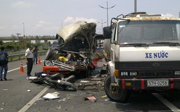 """""""Người vô cảm"""" hôi của trong tai nạn thảm khốc 7 người chết"""