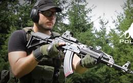 """Xem dân chơi Mỹ """"độ"""" súng trường tấn công AK-47"""