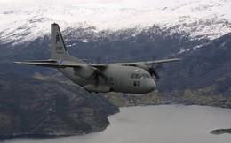 """Máy bay quân sự Mỹ bị """"thất sủng"""" đâm nhau trên không"""
