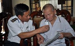 Cụ ông 102 tuổi đem tiền lương hưu ủng hộ Cảnh sát biển