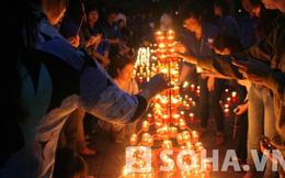 Hàng nghìn ngọn nến thắp sáng trong đêm tại nhà Đại tướng