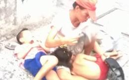 Cám cảnh những đứa trẻ bị lột trần để xin ăn