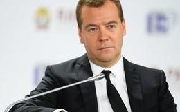 """Thủ tướng Medvedev: Dầu mỏ và khí đốt của Nga """"kiệt sức"""""""