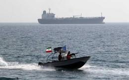 Tàu chiến Iran nổ súng bắt giữ tàu Mỹ xâm phạm lãnh hải