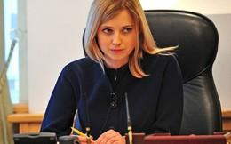 """Công tố Crimea xinh đẹp tự nói nơi ở, thách Kiev """"đến mà bắt"""""""