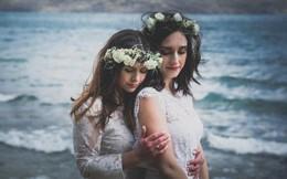 Ảnh cưới siêu lãng mạn của cặp đôi đồng tính nữ người Úc