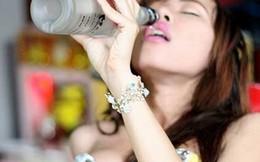 Vì sao rượu kỵ đàn bà?