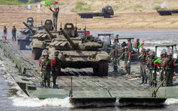 Công binh các nước tranh tài vượt sông tại Nga