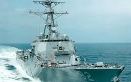 """Tàu TQ bám đuôi """"nhắn nhủ"""" gì với tàu Mỹ tuần tra 12 hải lý?"""