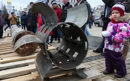 """Kiev rầm rộ tổ chức triển lãm """"vũ khí Nga"""" thu được ở Ukraine"""