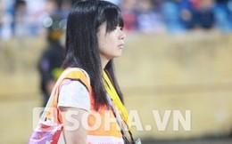 """""""Bỏ qua"""" Công Phượng, nữ phóng viên Nhật cổ vũ Phi Sơn"""