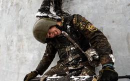 7 ngày qua ảnh: Đặc nhiệm Nga phối hợp vượt chướng ngại vật