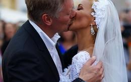 Rùm beng chiếc đồng hồ trong đám cưới phát ngôn viên TT Putin