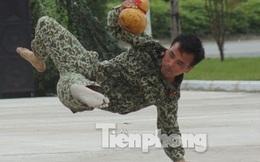 Cận cảnh võ thuật siêu phàm của đặc công Việt Nam