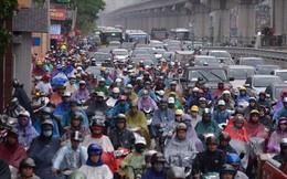 Tắc đường kinh hoàng ở Hà Nội vì mưa