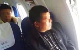 Đón Tết trong tù vì mở cửa thoát hiểm máy bay để... ngắm cảnh