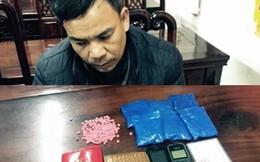 Hai vợ chồng mang 1.200 viên hồng phiến đi bán kiếm tiền tiêu Tết