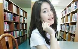 Nữ sinh Thái Lan nổi như cồn từ bức ảnh siêu xinh chụp trong thư viện