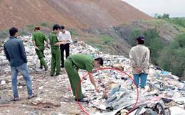 Chết đứng khi bới rác nhặt được… chân người