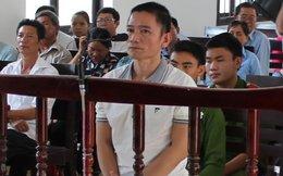 Bí thư thôn lừa 27 sinh viên sư phạm xin việc