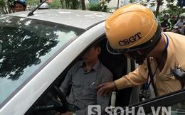 Hy hữu: Tài xế đột ngột dừng xe giữa đường Hà Nội rồi... ngủ gục