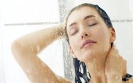 Nên tắm vào buổi sáng hay ban đêm?