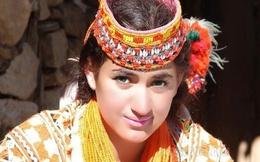 Thăm bộ tộc có phụ nữ đẹp và hạnh phúc nhất thế giới