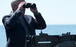 Hai tàu chiến Nga bám đuôi tàu chở Thủ tướng Canada