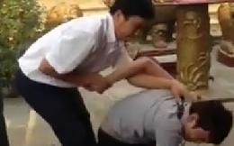 Bị khóa tay vì ăn cắp ở Đền Mẫu, tên trộm van xin thảm thiết