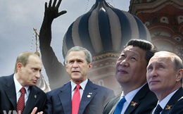 """2 bức ảnh và chuyện quân Trung Quốc """"bọc hậu"""" duyệt binh của Nga"""