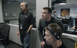 Xem Elon Musk và 500 anh em sướng run bắn người khi tên lửa Falcon 9 lần đầu tiên hạ cánh thành công