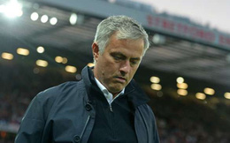 """Nín nhịn trên sân, Mourinho """"bùng nổ"""" trong phòng họp báo"""