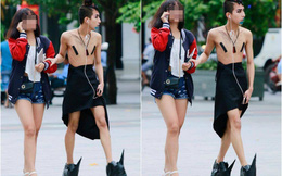 Chàng trai diện trang phục kỳ quái đi dạo trên phố Nguyễn Huệ