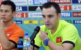 """""""Phù thủy"""" Tây Ban Nha bất ngờ chia tay Việt Nam sau kỳ tích World Cup"""
