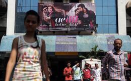Từ bây giờ, mọi người dân Ấn Độ khi đi xem phim chiếu rạp đều bắt buộc phải làm 1 việc