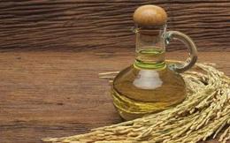 """Không ngờ từ cám gạo có thể """"chiết"""" ra một thứ dầu quý nhiều công dụng thế này!"""