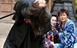 Diễn tập với kiếm samurai, nam diễn viên bị đâm thủng bụng đến tử vong