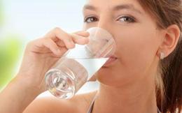 Điều gì xảy ra nếu mỗi buổi sáng uống một ly nước muối?