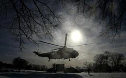 24h qua ảnh: Chuyên cơ chở Tổng thống Mỹ thổi tuyết để hạ cánh