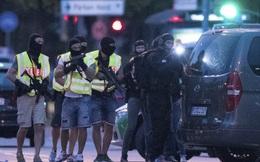 [VIDEO] Khủng bố ở Munich: Nghi phạm điên cuồng nã súng, 10 người thiệt mạng