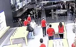 Nhóm cướp liều lĩnh 'vét sạch' cửa hàng iPhone chỉ trong 12 giây