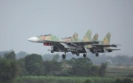 Niềm vui lớn: Sân bay Kép chào đón tiêm kích Su-30MK2 về canh trời Đông Bắc!