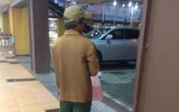 Người đàn ông và chiếc bánh trung thu - câu chuyện bạn vô tình bỏ qua trong siêu thị