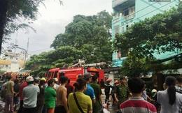 TP HCM: Nam thanh niên đập phá ngôi nhà rồi khóa trái cửa dùng xăng tự đốt nhà