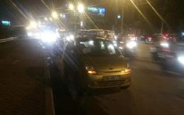 Ngăn chặn kịp thời, đưa đi cấp cứu tài xế taxi bị côn đồ hành hung