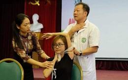 Người Việt cần xem video này: Bị tôn, sắt, thủy tinh... cứa vào cổ, lập tức phải làm gì?