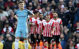 Nối dài chuỗi trận bết bát, Pep run rẩy nếm mùi Premier League