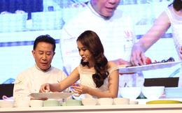 Hot girl Sam trổ tài nấu ăn bên đầu bếp trứ danh Martin Yan