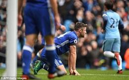CLIP: Cahill biến thành tội đồ, Chelsea biếu không cho Man City bàn thắng